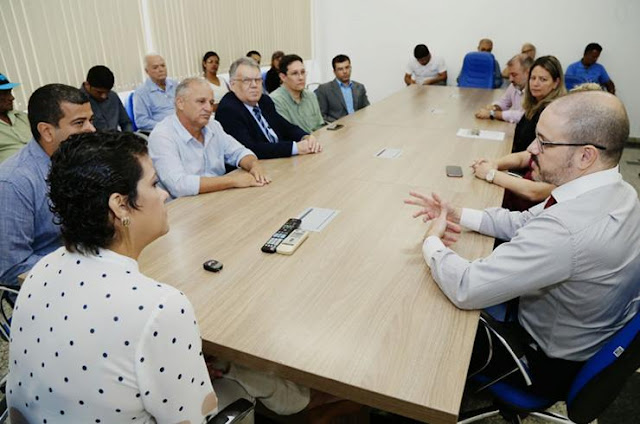 http://vnoticia.com.br/noticia/2245-em-defesa-da-comarca-de-sfi-mp-e-executivo-promovem-reuniao-no-auditorio-da-prefeitura