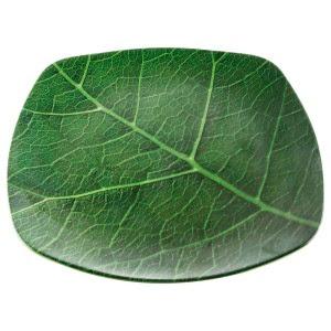 piring motif daun