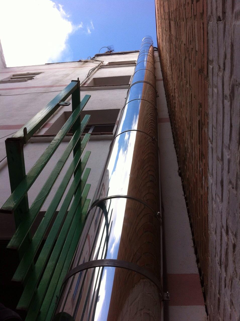 Salida de humos instalador salidas humos y tubos for Salida de humos campana extractora
