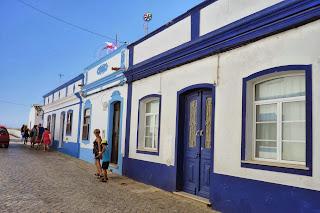 Casas blancas y azules de Cacela Velha.