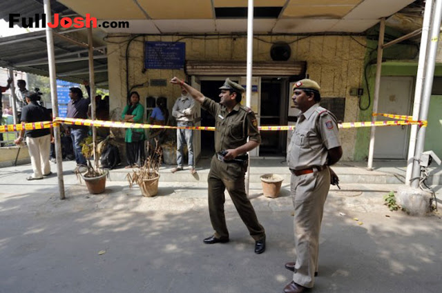 Eight SIMI Terrorists Are Escaped From Central Prison In Bhopal