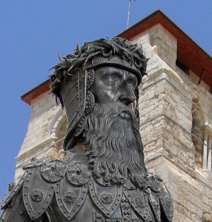 Godofredo de Bouillon. Fundo: igreja do Santo Sepulcro