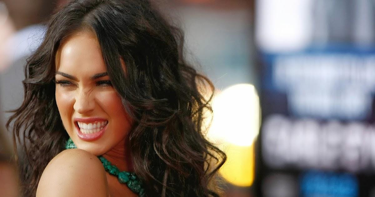 Fondos De Pantalla De Famosos: Fondo De Pantalla Famosas Sonrisa De Megan Fox