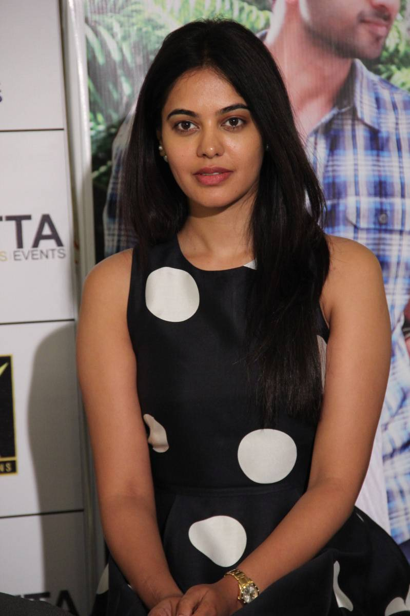 Glamorous Bindu Madhavi Photos In Black Dress