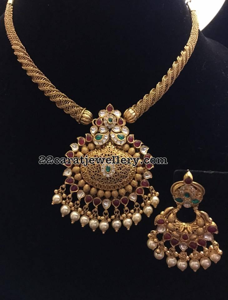 Antique Choker with Classic Kundan Earrings - Jewellery ...