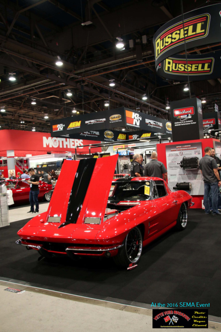Edelbrock displayed Larry Fitzgerald's red 1963 Corvette that was built for Larry by Brown's Classic Auto. It featured a modified interior suggestive of a race capability.