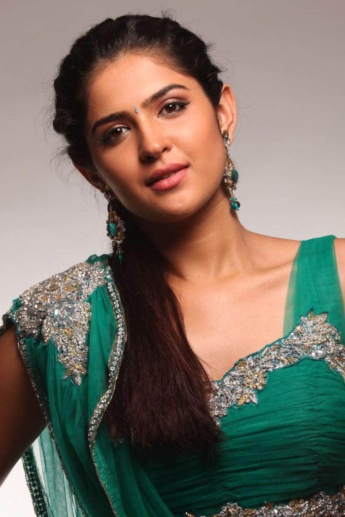 Show Me A Calendar >> celebrity hot images: Deeksha seth hot in green saree