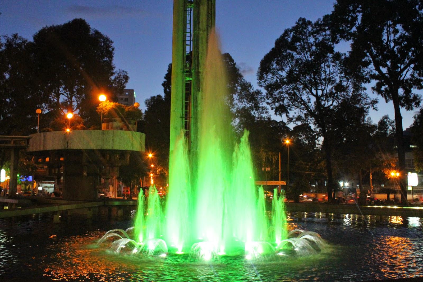 Đèn led âm nước cho đài phun nước tại Hồ con rùa TP.Hồ Chí Minh