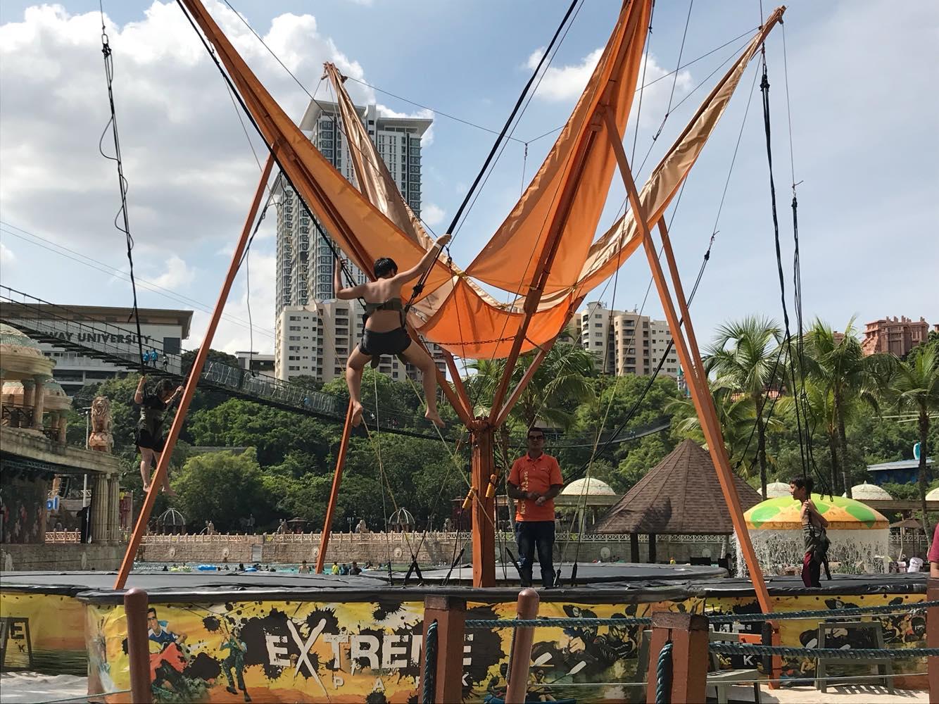 Cuti Sekolah Dapat Berseronok Sakan Dengan Penuh Keriangan Bersama Tiket Sunway Lagoon Kuala Lumpur Dewasa Bagi Mereka Yang Sukakan Aktiviti Lasak Bolehlah Mencuba Pelbagai Ekstrem Di Extreme Park Ada Permainan Kayak Paintball