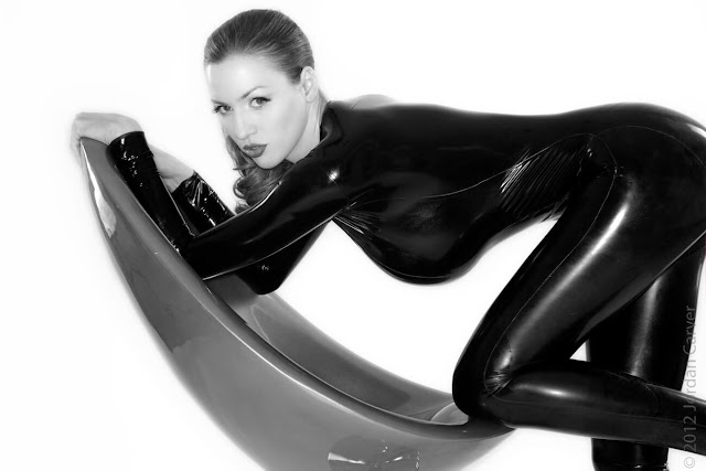 Jordan-Carver-Sandine-Hot-Photoshoot-in-Catsuit-35634