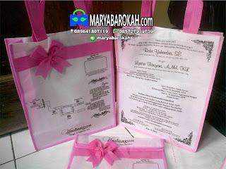 undangan pernikahan unik dan cantik putih pink