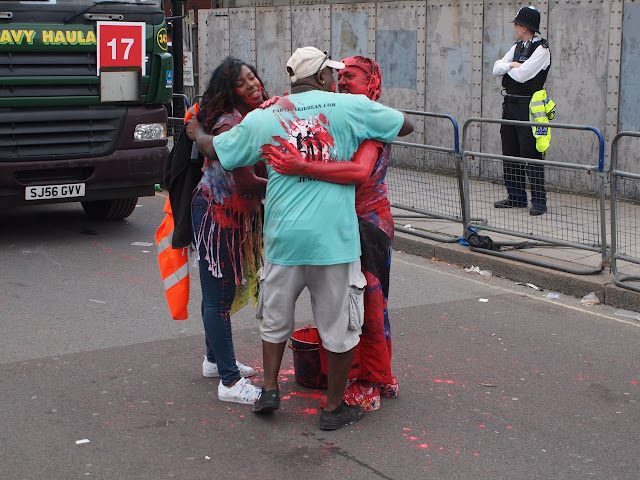 Notting Hill Carnival, Jouvert, red paint, 2015, photo : Bill Hicks
