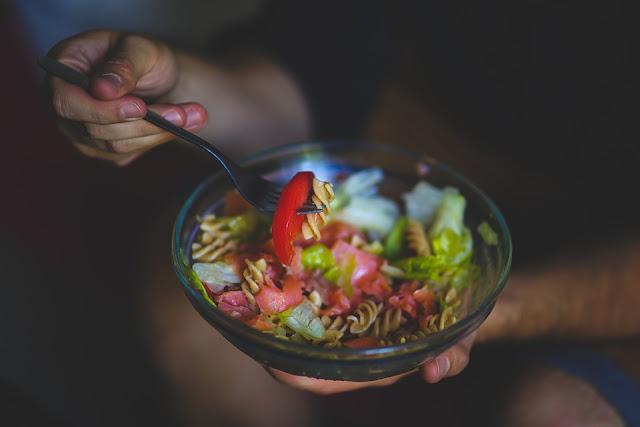 ensalada de pasta saludable