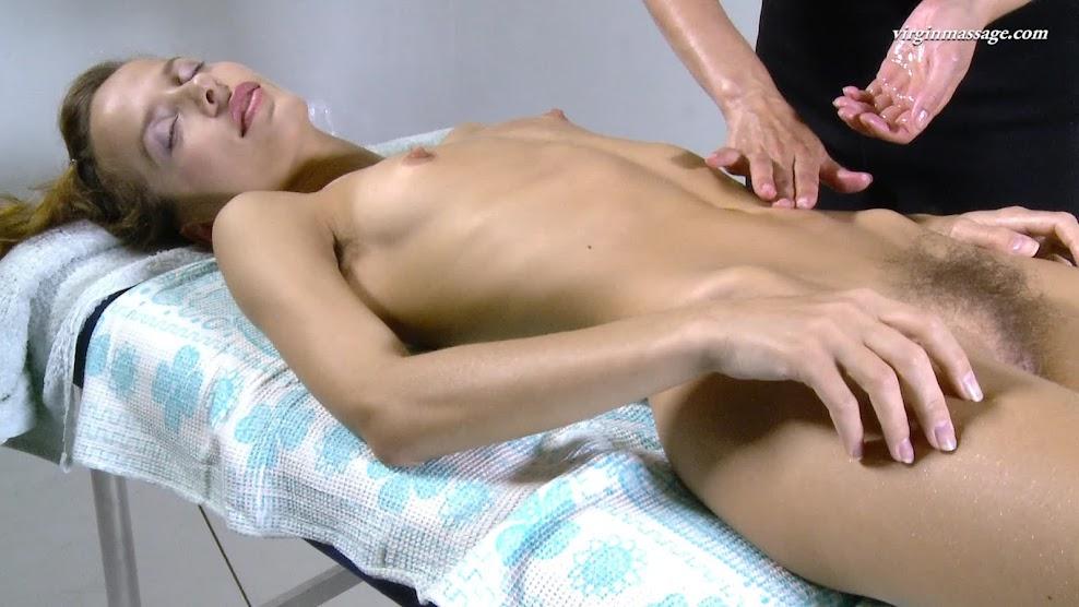 def.16.01.14.lika.volosatik.massage.mp4.1 Defloration virgin Fuck first time-def.16.01.14.lika.volosatik.massage.mp4 defloration 09010
