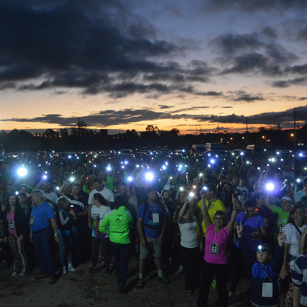 Caminhada Noturna reúne participantes para percurso pelo Centro de SP