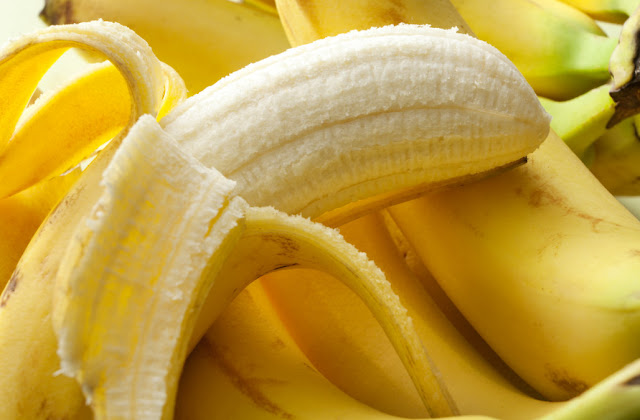 HOW BANANA PEELS CAN HELP REDUCE WEIGHT