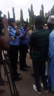 Photos: Students protesting the detention of Shiite leader, Ibrahim El-Zakzaky, teargased in Abuja 10