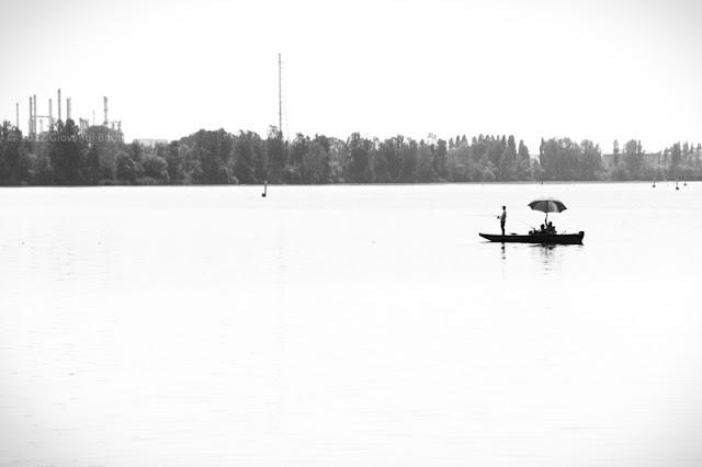 Barca di pescatori sul Lago di Mezzo a Mantova