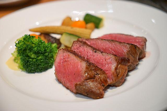 DSC03048 - 熱血採訪│裕元花園酒店映景觀餐廳,台中情人節餐廳之夜乾式熟成牛排的浪漫饗宴