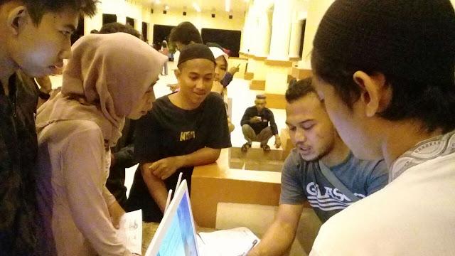 Perekaman E- KTP di Lapangan Merdeka Dinilai Tidak Efektif, Ratusan Pemuda Antri