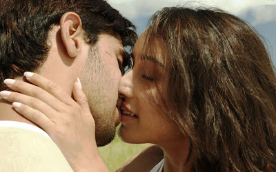 Happy-Kiss-Day-by-siddharth-and-shraddha-kapoor-images