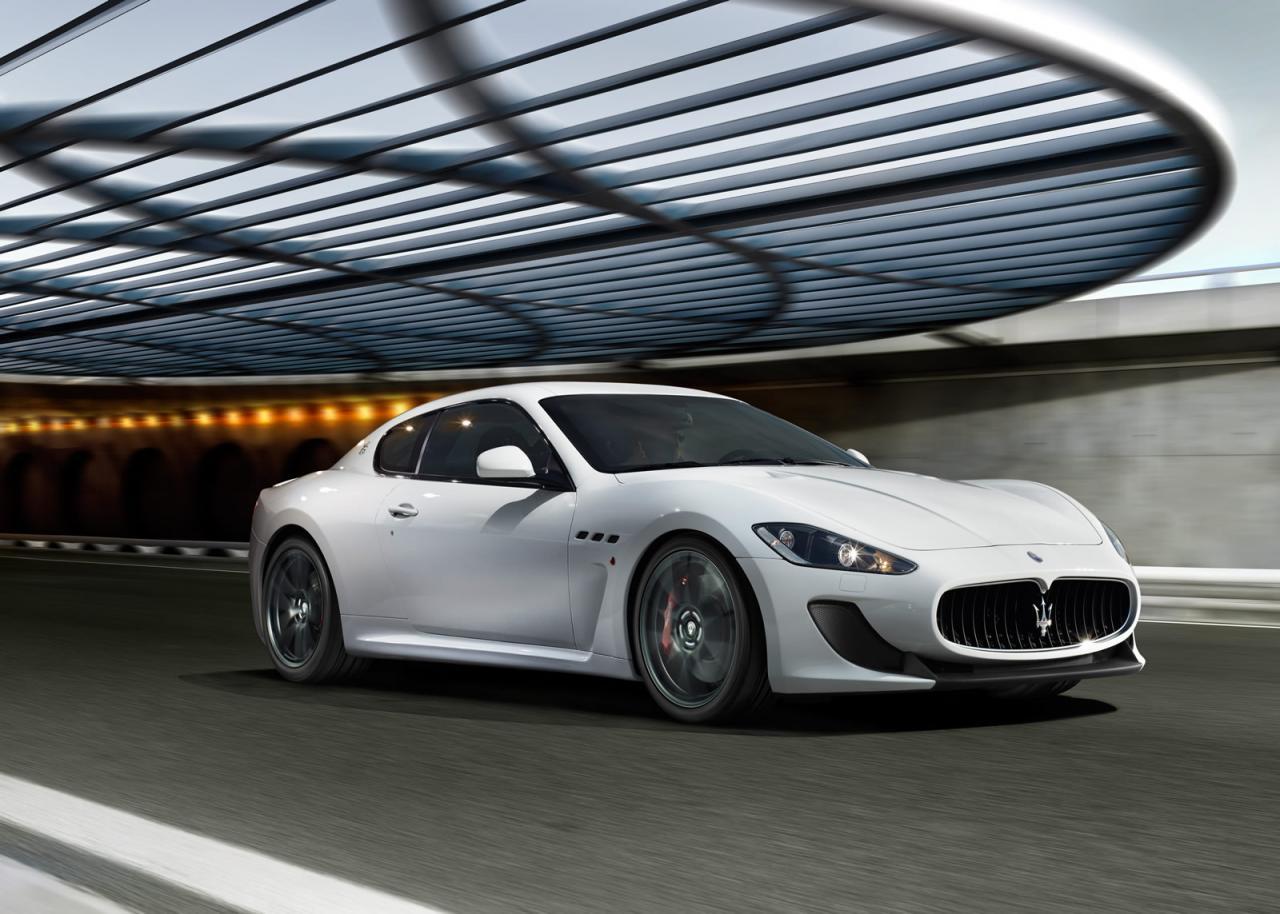 SPORTS CARS: Maserati Granturismo Gt