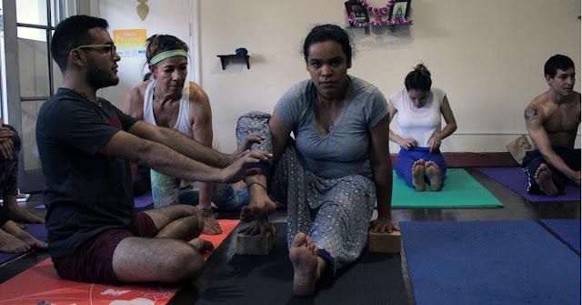 Te invitamos a practicar yoga con un instructor personalizado a tus necesidades en nuestra sede o en tu casa!