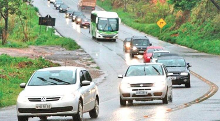 Atenção: Farol baixo em rodovias é obrigatório a partir desta sexta-feira