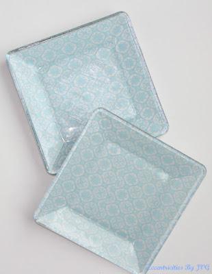 http://eccentricitiesbyjvg.com/decoupage-glass-plates/