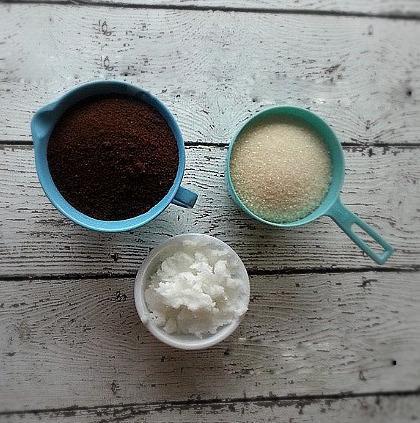 Cách làm trắng da cực hay với bã cà phê