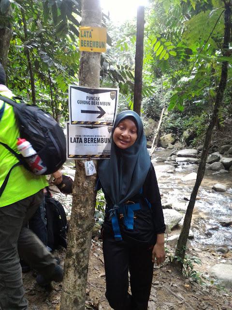 Hiking di Gunung Berembun Jelebu