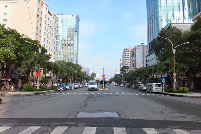Hochi-min-city-bigroad ホーチミン市の大きな通り