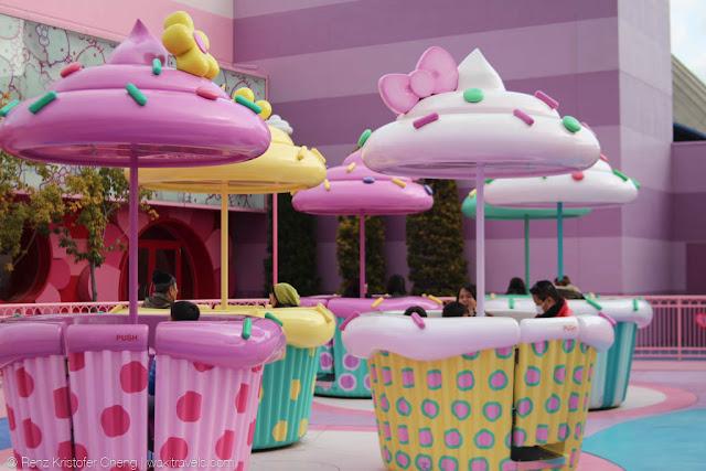 Rotating Cupcakes in Universal Studios