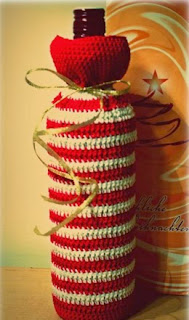 http://www.crochetfox.com/wp-content/uploads/Easy-Christmas-Bottle-Bag.pdf