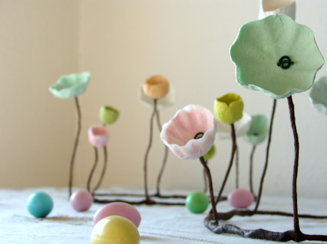 centrotavola con fiori di cartapesta per Abilmente Primavera - Pasqua