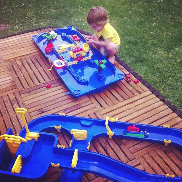 spelen met water kinderen waterbaan