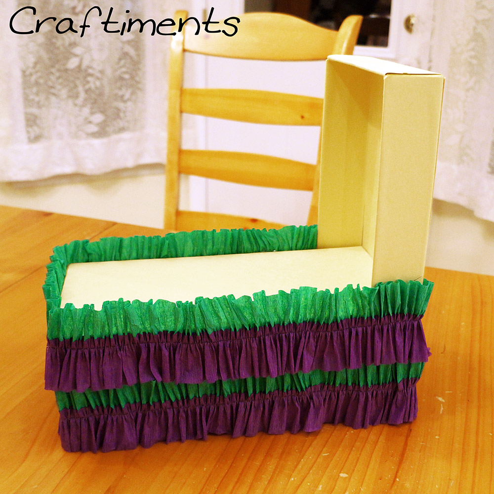 shoebox crafts ideas craftiments miniature mardi gras float from a shoebox 2927