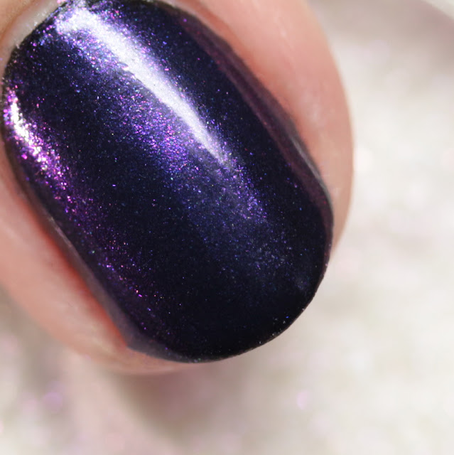 Girly Bits SFX Duo-Chrome Powder Majestic over black polish