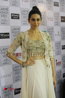 Actress Karishma Kapoor Walks For Arpita Mehta at LFW Summer 2017  0006.jpg