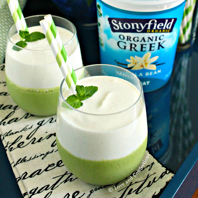 Vanilla Bean and Mint Layered Smoothie from LoveandConfections.com #StonyfieldBlogger