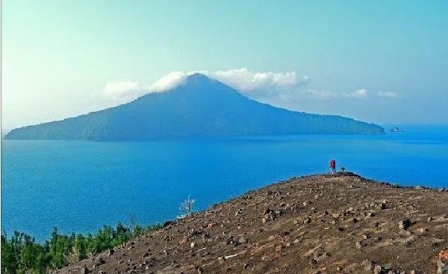3. Kepulauan Krakatau - Lampung