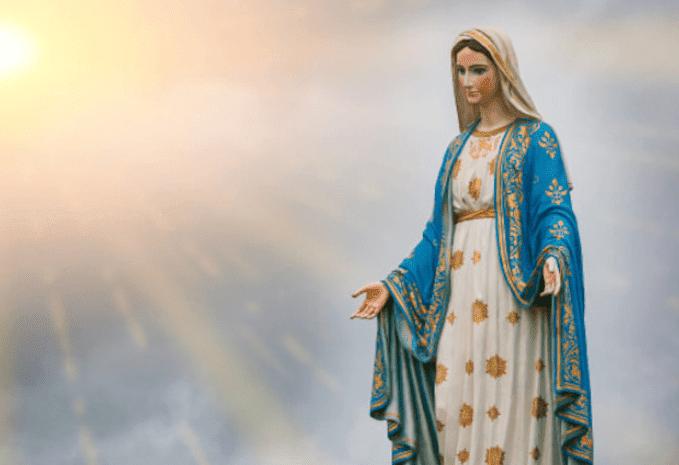 Maria Ratu Rosari, Bunda Maria