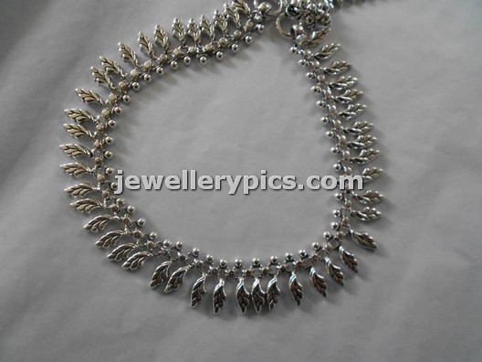 7 Awesome Silver Pattilu Legchain Designs With Lavanga Model Latest Jewellery Designs
