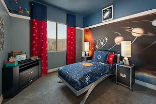 dormitorio infantil con mural