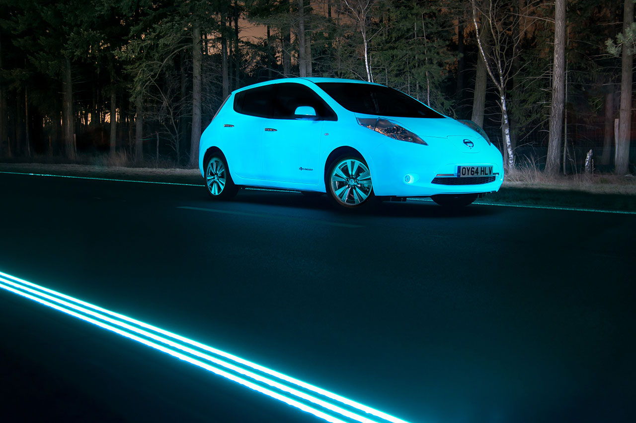 Nissan Leaf glow-in-the-dark car