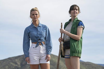 Glow Season 3 Alison Brie Betty Gilpin Image 4