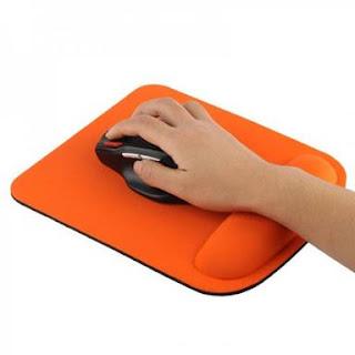 Tapis de souris de couleur orange, utilisation très confortable