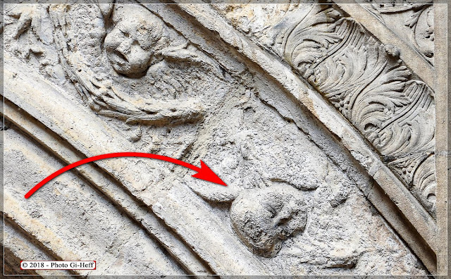 La Tête de l'Ange à l'Envers se trouve au bout de la flèche rouge