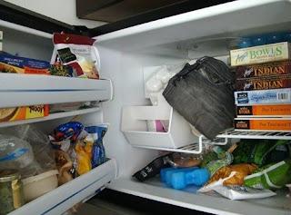 Kulkas sebagai tempat menyimpan makanan