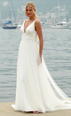 2 Vestidos (de noiva) e algumas idéias para o casamento na praia...!